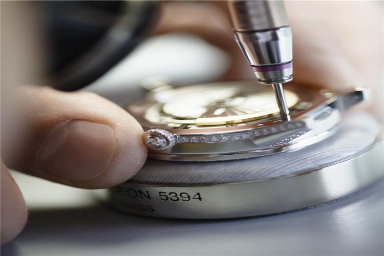 帝舵手表保修表壳修复